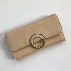 Enzo Angiolini cream retro trifold wallet